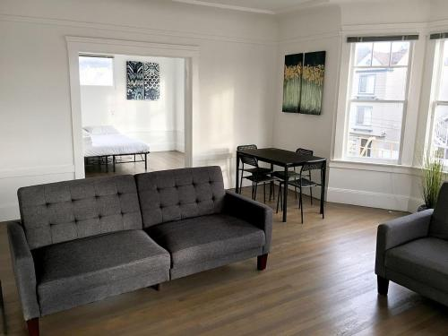 1BR: Spacious Wired with Plenty of Natural Sunlight - San Francisco, CA 94122