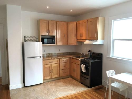 1BR: Spacious Fully Wired. Experience Urban Living - San Francisco, CA 94122