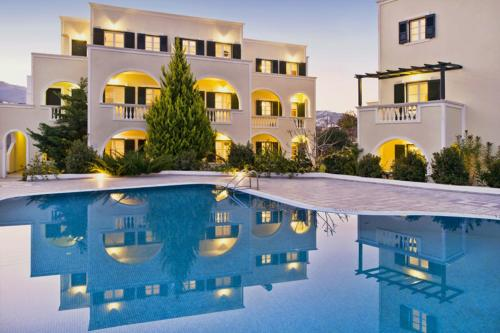 Golden Sun Studios & Apartments - Santorini Hotels