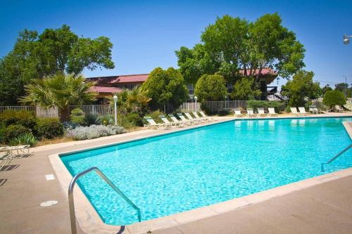 Green Tree Inn And Extended Stay Suites Victorville Ca