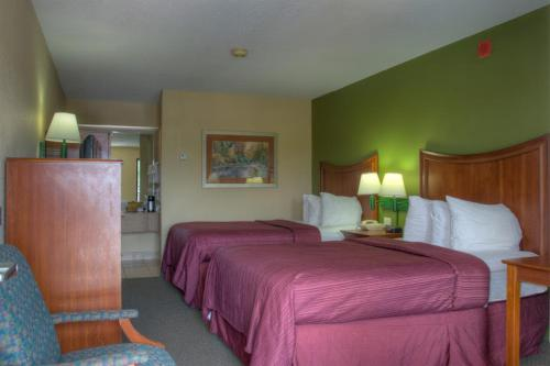Quality Inn Merchants Drive Knoxville