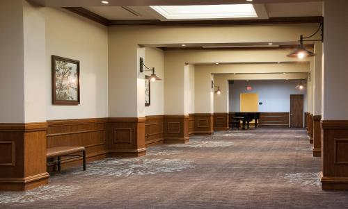 Embassy Suites Nashville - Airport Photo