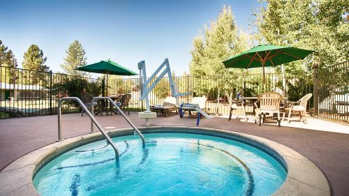 Best Western Rose Quartz Inn Photo