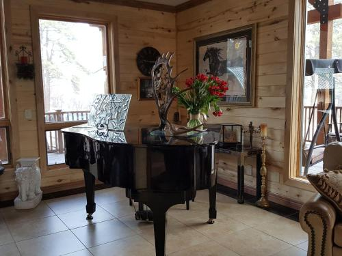 Elktrace Bed and Breakfast Photo