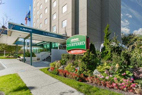 Courtyard by Marriott New York JFK Airport Photo