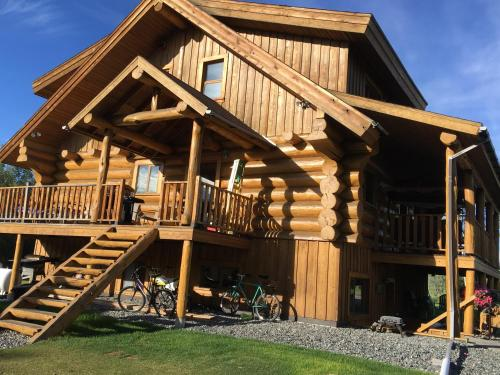 Sawing Logzz Bed and Breakfast - Copper Center, AK 99573