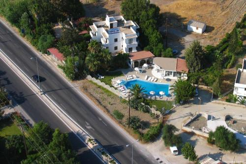 Dolphin Apartments - Main Street  Greece