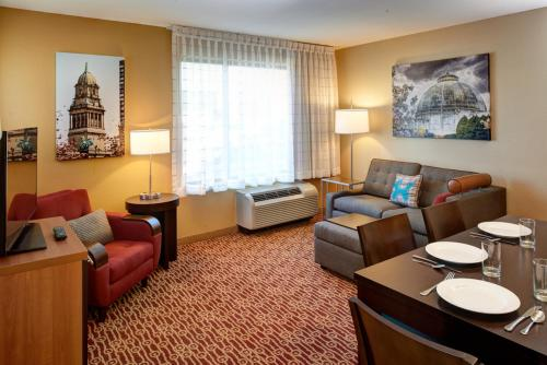 TownePlace Suites by Marriott Detroit Troy Photo
