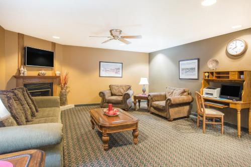 Ramada Spirit Lake/Okoboji - Spirit Lake, IA 51360