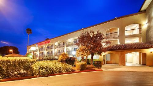 Best Western Plus Pleasanton Inn Photo