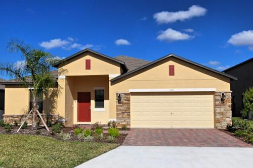 5 Bed Home at Cypress Pointe 1156