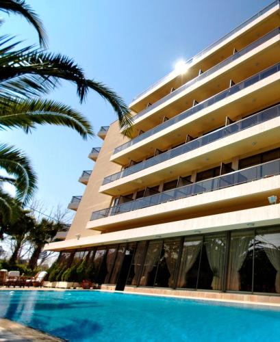 Golden Sun Hotel - 72 Metaxa Str (Glyfada) Greece