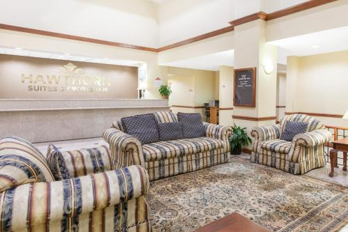 Hawthorn Suites Midwest City Photo