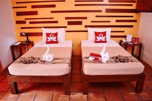ZEN Rooms Manalo Street Prices, photos, reviews, address. Philippines