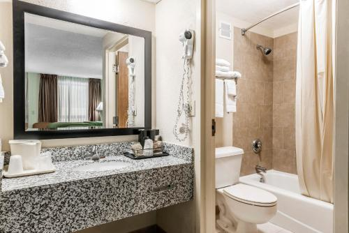 Quality Inn Fort Pierce - Fort Pierce, FL 34945