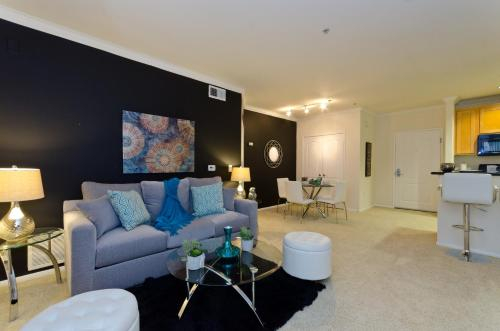 Downtown LA Oasis Resort Style Suite - Los Angeles, CA 90012