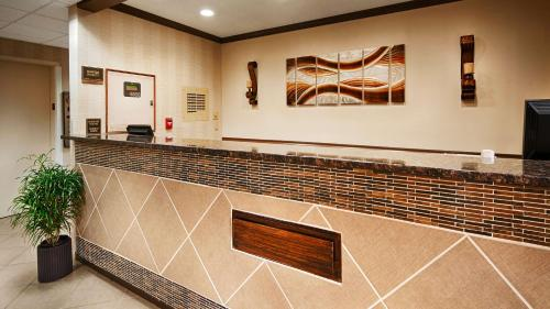 Best Western River City Hotel - Decatur, AL 35603
