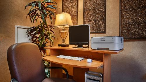 Best Western Diamond Bar Hotel & Suites Photo