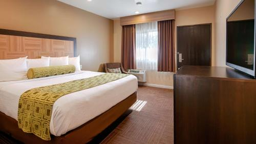 Best Western Plus Glendale Photo