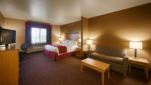 Best Western Golden Prairie Inn and Suites Photo