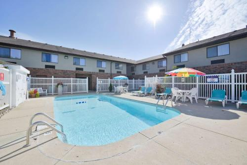 Best Western Kendallville Inn Photo