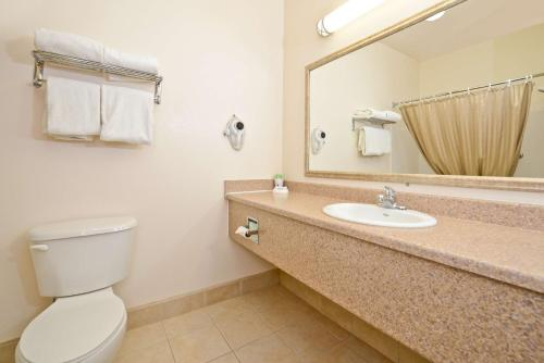 Best Western Plus Wakeeney Inn & Suites Photo