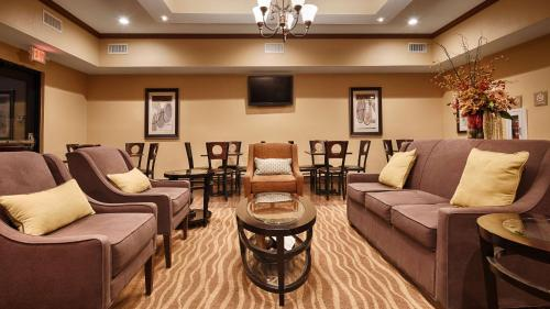 Best Western Plus Seminole Hotel & Suites Photo