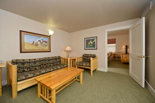 Best Western Plus Plaza Hotel Photo