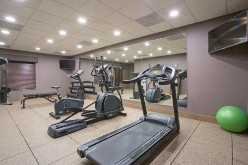 Best Western Plus Lincoln Inn & Suites Photo