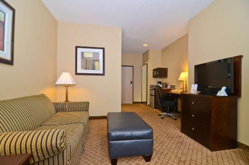 Best Western Macomb Inn Photo