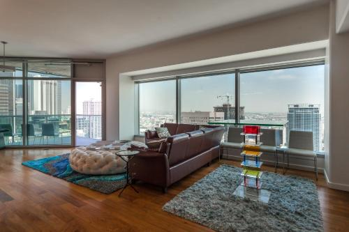 DOWNTOWN L.A. 36 Story Breath Taking View Penthouse - Los Angeles, CA 90015