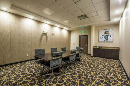 Fairfield Inn & Suites by Marriott Denver Downtown Photo