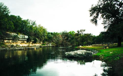Flying L Hill Country Resort Photo
