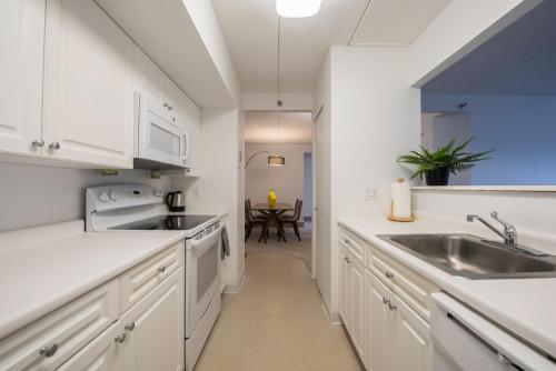 Two-Bedroom on Commonwealth Avenue Apt 714 Photo