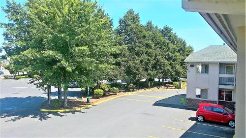 Motel 6 McMinnville Photo