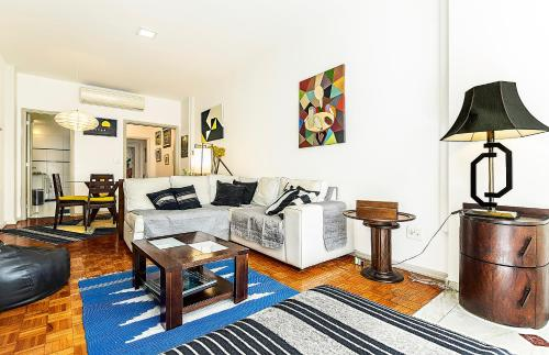 Elegant 3 bedrooms apt in the heart of Copacabana Photo