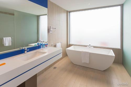 ibis Styles Batam Nagoya photo 15