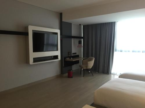 ibis Styles Batam Nagoya photo 37