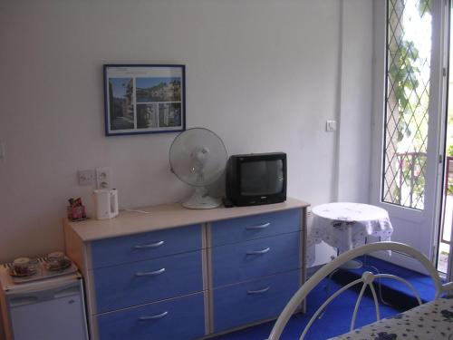 Chambre d 39 h te priory view dinan book your hotel with for Chambre hote dinan 22