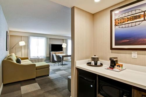 Hampton Inn & Suites by Hilton Saskatoon Airport Photo
