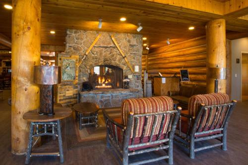 Headwaters Lodge & Cabins at Flagg Ranch Photo
