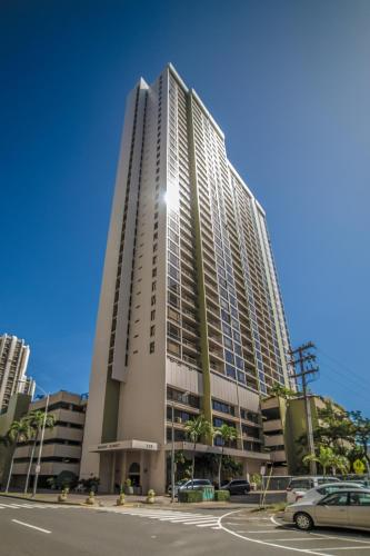 Midway Realty at Waikiki Sunset 16th Floor - Honolulu, HI 96815