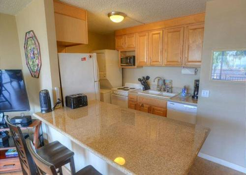 Island Surf 312 - Two Bedroom Condo - Kihei, HI 96753