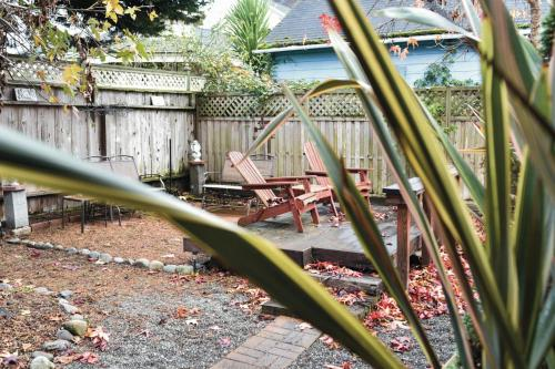 White House - Two Bedroom Holiday Home - Ferndale, CA 95536