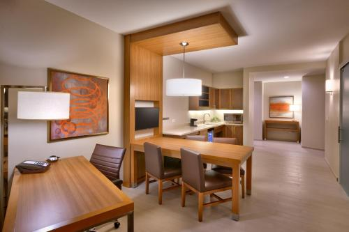 Hyatt Place Emeryville/San Francisco Bay Area Photo