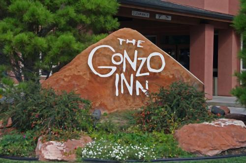 Gonzo Inn Photo