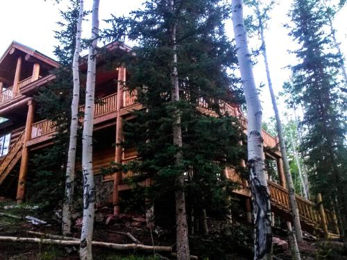 Large Home Outside Breckenridge - Fairplay, CO 80440