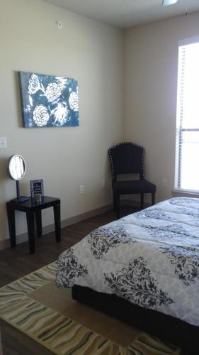 Post Oak Apartment - Houston, TX 77055
