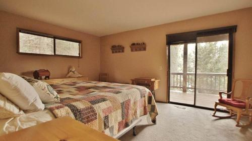 Cedar Wood in Lake Arrowhead - Lake Arrowhead, CA 92352