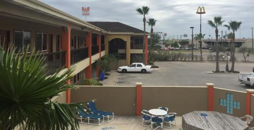 Texas Inn and Suites City Center at UTRGV
